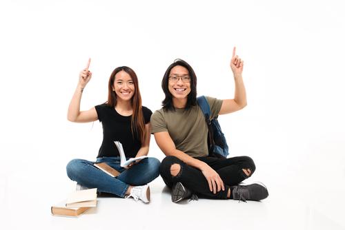 学資保険は2種類。貯蓄型、保障型